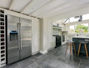 bespoke shaker kitchen