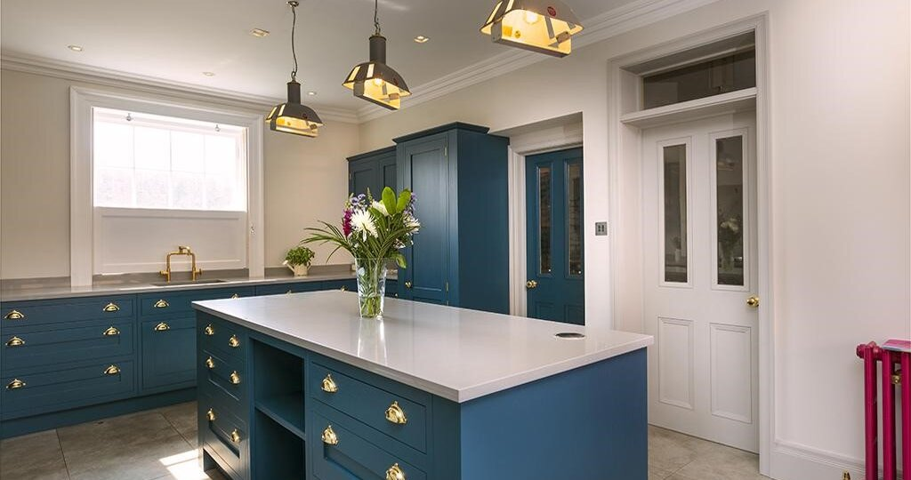 5 things to consider when choosing a kitchen island.
