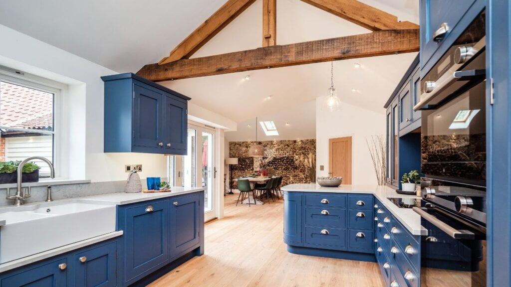Farmhouse kitchen design by kestrel kitchens