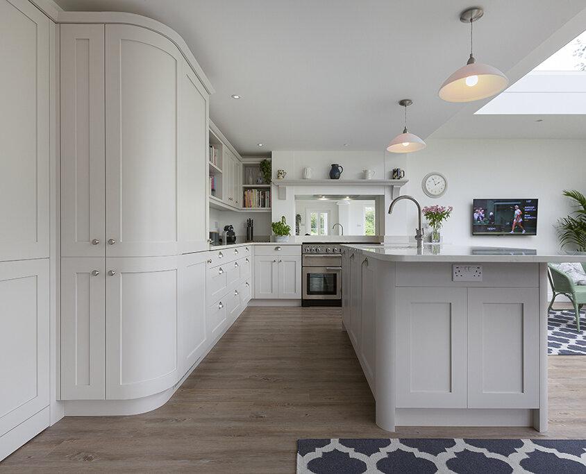 Curved Open-Plan Kitchen Design