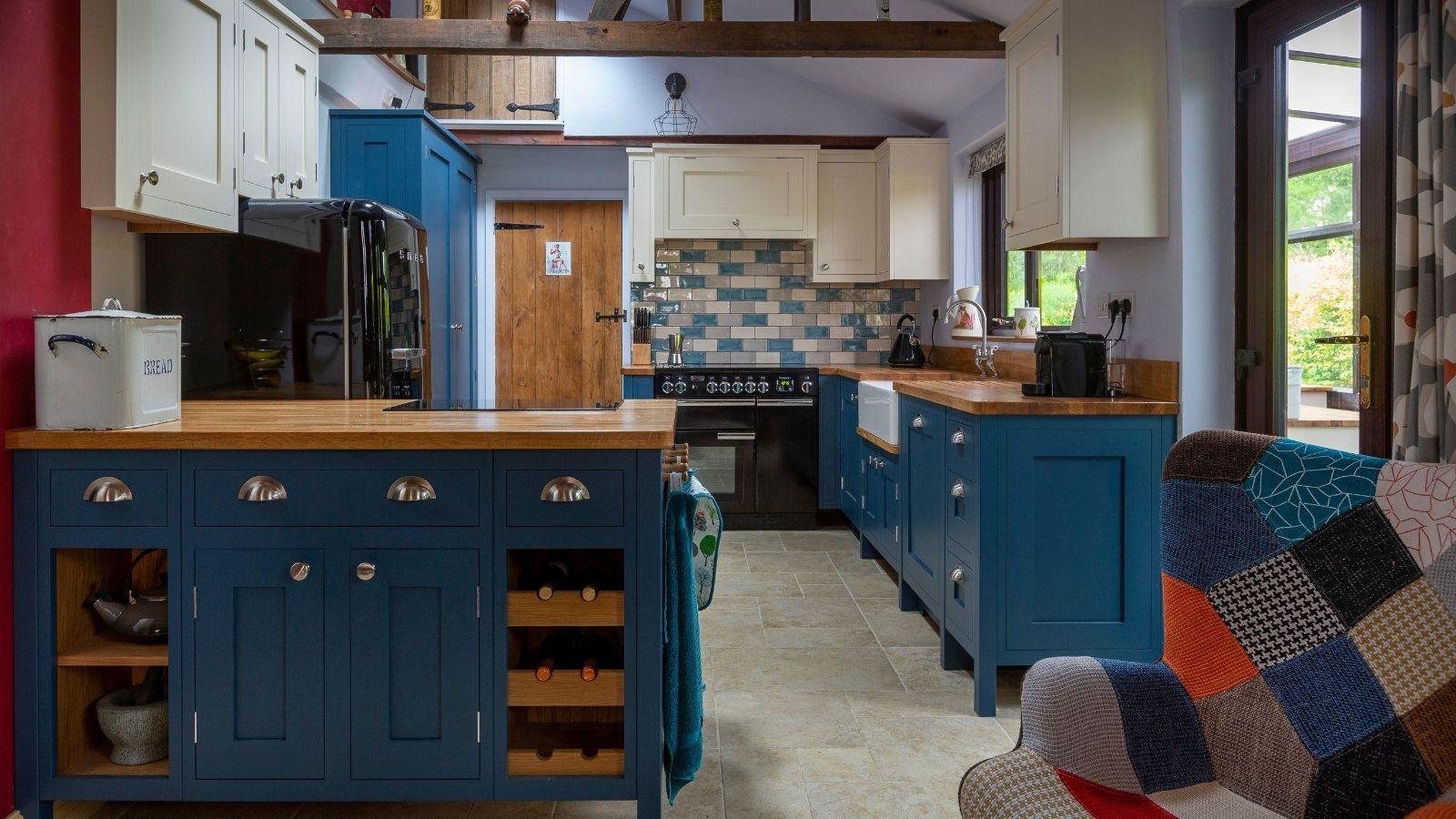 L shaped kitchen design from Kestrel Kitchens